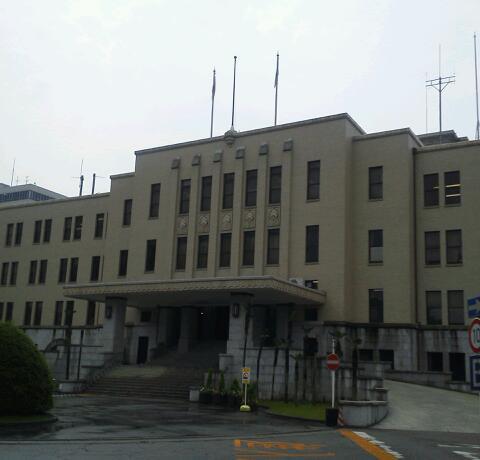 富山県庁へ